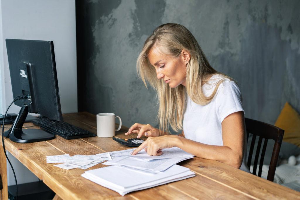 Les femmes sont financièrement moins bien préparées que les hommes